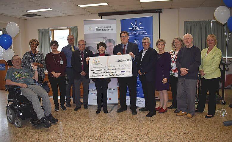 Photo: Dr. Samuel S. Robinson Charitable Foundation Cheque Presentation